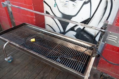 windsor meats split roaster rentals
